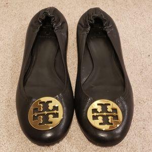 Tory Burch Reva Black Leather Gold Emblems Size 12